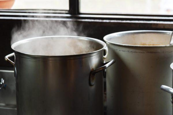 スーブ作りも寸胴鍋